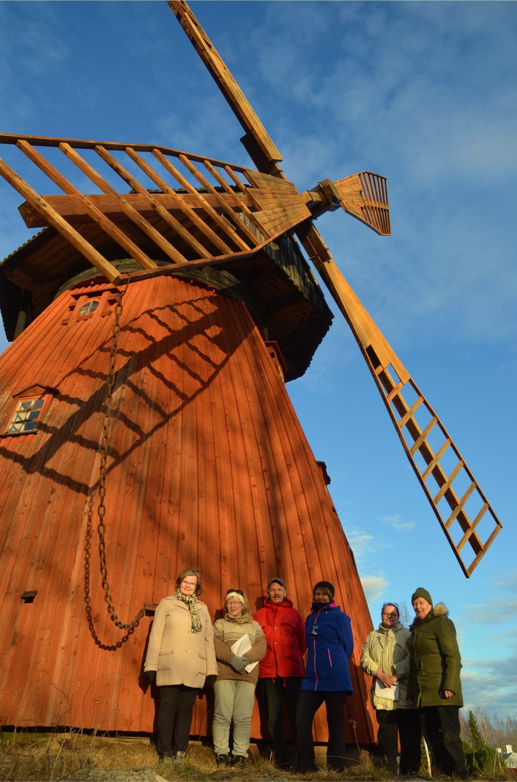 Södersund windmill 2017.jpg